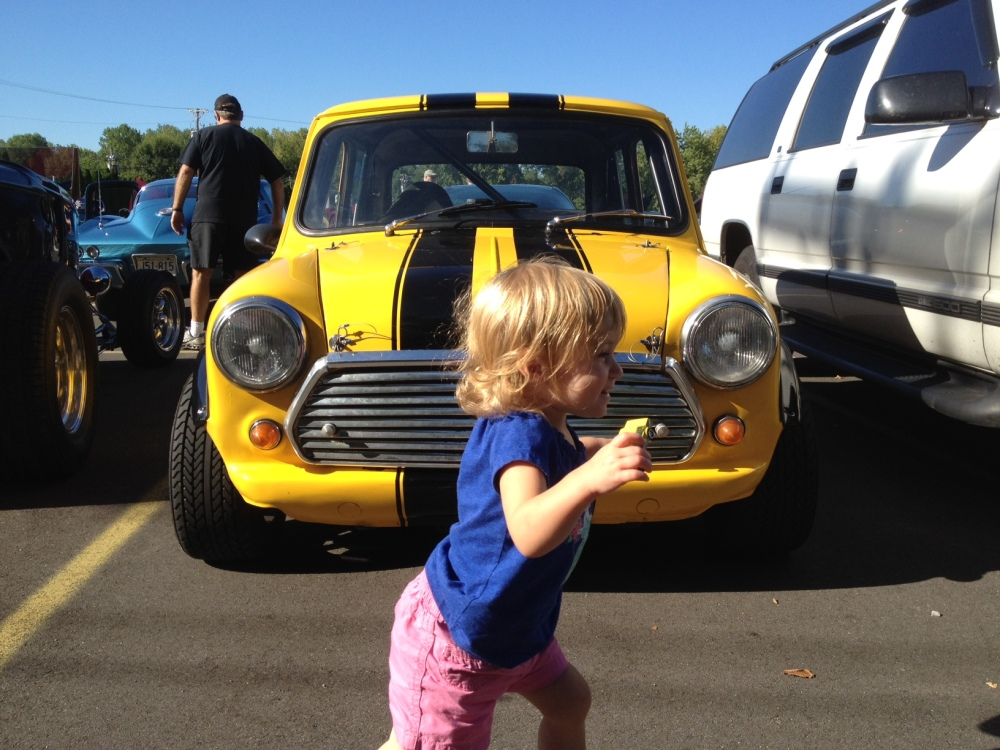 A toddler and a Mini